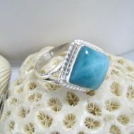 Ларимар Ювелирное кольцо четырехугольник Liv LV2 10131 Larimar-Stone